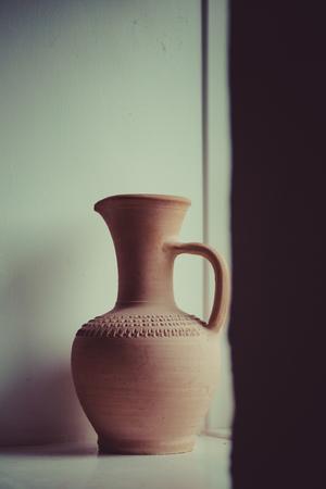 anforas: de arcilla viejo jarrón de cerámica naturaleza muerta
