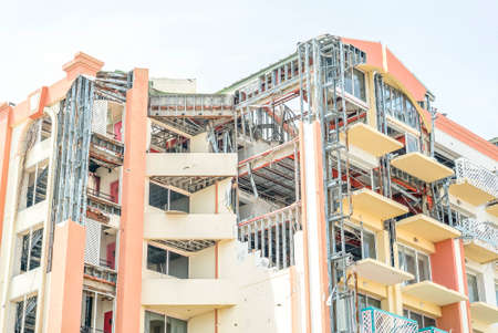 building damage after hurricane Irma on st.maarten 免版税图像