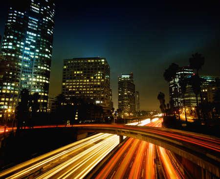 로스 앤젤레스, 고속도로 소통량과 일몰 도시 도시 스톡 콘텐츠