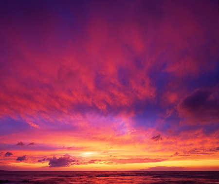 hawaii sunset: Dramatic Vibrant Sunset in Hawaii