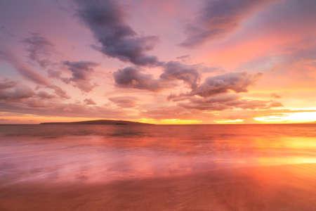 Západ slunce na pláži Havaj Reklamní fotografie