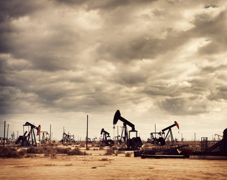 oil and gas industry: Oil Field in Desert, Oil Production