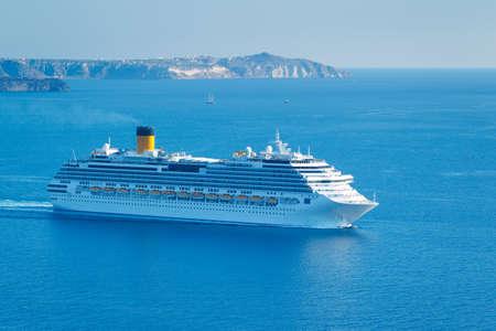 Luxus-Kreuzfahrtschiff, Segeln im Mittelmeer