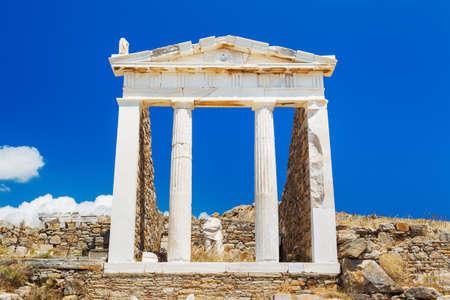 templo griego: Ruinas griegas, el templo de Poseidón, cerca de Atenas