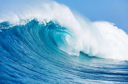 Bleu Ocean Wave Banque d'images