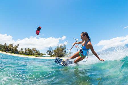 papalote: Kite Boarding, Diversi�n en el oc�ano, deporte extremo