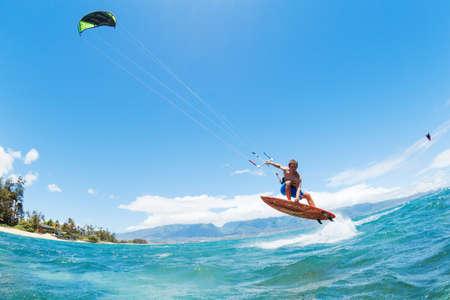 kite surfing: Kite Surfing, Fun in the Ocean, Extreme Sport