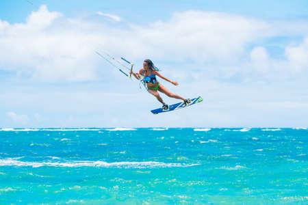 kite surfing: Kite Boarding, Fun in de oceaan, Extreme Sport