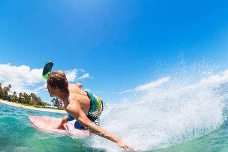 Jeune homme kitesurf, Fun dans l'océan, Kitesurf Sport Extreme