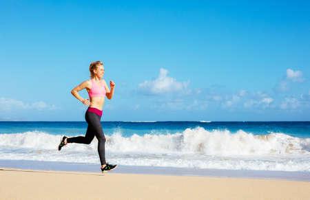 Running Woman. Le Jogging Coureuse Pendant L\'entraînement En Plein ...