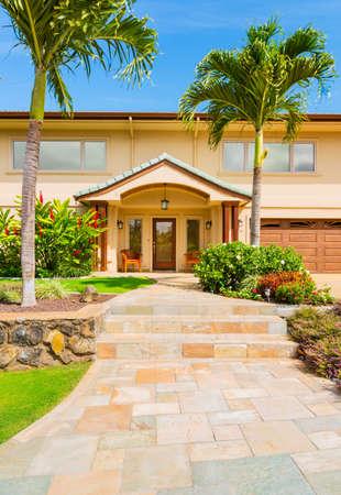 single dwelling: Beautiful Home Exterior, Luxury Home, Sunny Blue Sky
