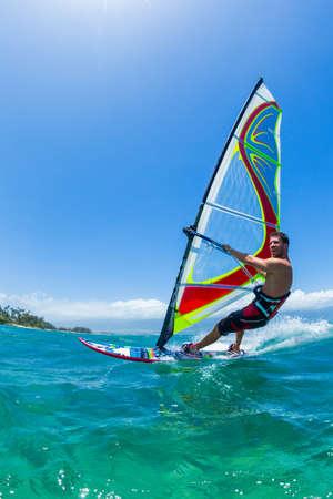 Planche à voile, Fun dans l'océan, Sport Extrême Banque d'images