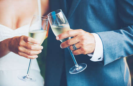 wedding: 新人敬酒 版權商用圖片