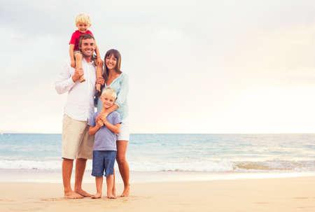 convivencia familiar: Familia Foto de archivo