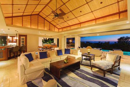 luxury living room: Beautiful Living Room in Luxury Home