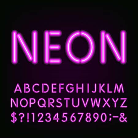 네온 빛 알파벳 글꼴. 문자, 숫자 및 기호를 입력합니다. 어두운 배경에 보라색 네온 튜브 문자. 레이블, 제목, 포스터 등의 벡터 서체