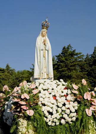 of our lady: Image of Our Lady of Fatima during a procession