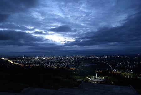 yai: Panorama serale, la citt� di Had Yai, nel sud della Thailandia Archivio Fotografico