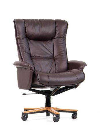 reclining chair: Black, leather luxury office chair. Isolated on white.