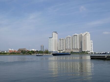 chao praya: Apartment complex by the Chao Praya river in Bangkok, Thailand Stock Photo