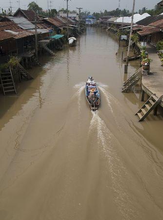 klong: Traditional canal, a klong, in Thailand. Ampawa, Samut Somgkram province. Stock Photo