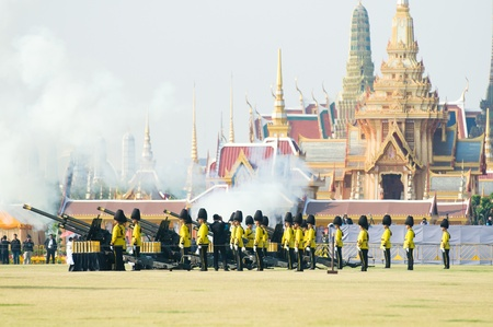 bejaratana: BANGKOK - APRIL 9: Soldiers firing a salute at Sanam Luang in Bangkok during the royal funeral of Her Royal Highness Princess Bejaratana on April 9, 2012 in Bangkok, Thailand.