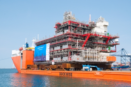 LAEM CHABANG - OCTOBER 3: A 6,000 ton module built by Aibel in Thailand for Statoil and the Gudrun Drilling Platform in the North Sea, ready for shipment in Laem Chabang, Thailand on October 3, 2012. Stock Photo - 15547512