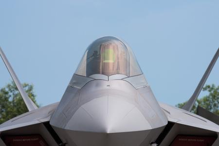 avion de chasse: Détail du 5ème avion de chasse de génération avec la technologie furtive.