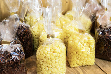 cocoa beans: Cocoa butter and crushed cocoa beans wrapped in the folie bag