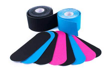 カラフルなキネシオロジー テープ。理学療法や手首の痛み、痛みと緊張のキネシオ テープ。キネシオ テープ。粘着テープおよび代替医療。