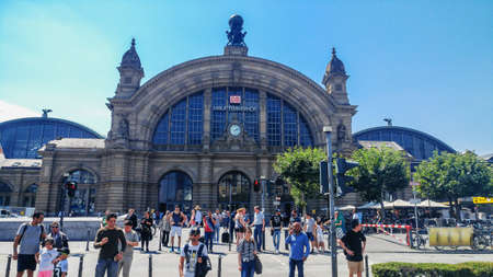 Frankfurt, Germany - July 27, 2017: Central train station in Frankfurt on the Main 新聞圖片