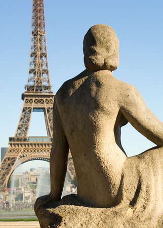 trocadero: Statue of woman at the Trocadero looking at the Eiffel Tower. Paris, France Stock Photo
