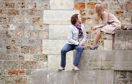 Romantic couple in Paris at the embankment Reklamní fotografie - 10834629