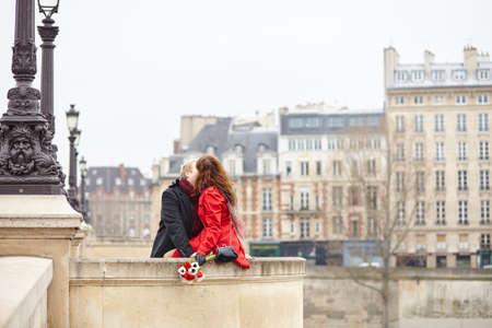 parejas romanticas: Pareja rom�ntica en el amor que un d�a en Par�s
