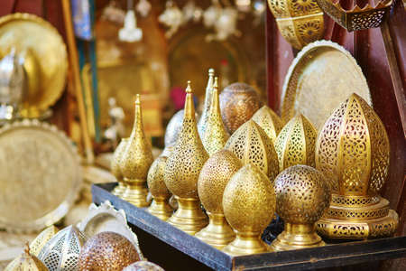 maroc: Selection of traditional lamps on Moroccan market (souk) in Fes, Morocco Stock Photo