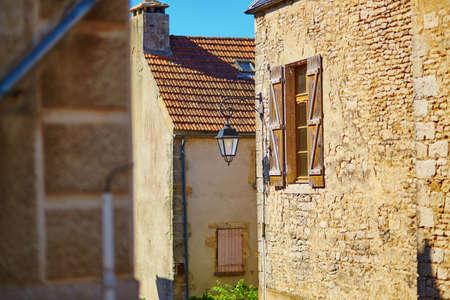 rood: Beautiful street in Flavigny-sur-Ozerain, little village in Burgundy, France