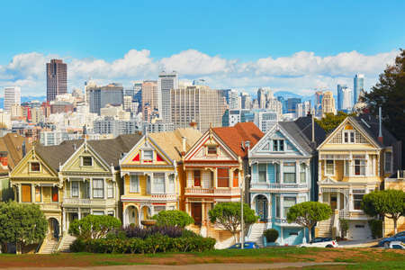 houses street: Famous Painted Ladies of San Francisco, California, USA