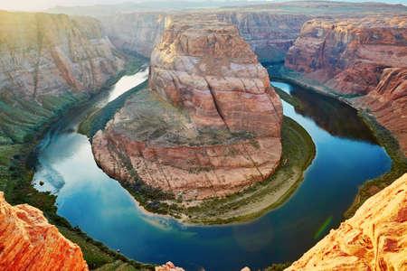 herradura: La curva de herradura, la puesta del sol en el Cañón del Colorado, Arizona, EE.UU.