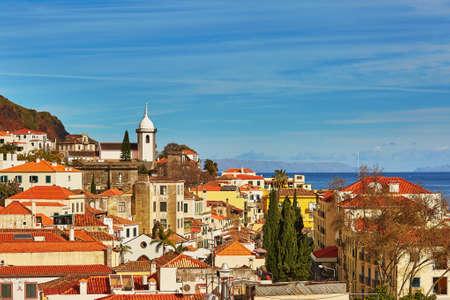 대서양, 마데이라 섬, 포르투갈 Funchal의 공중 경치를 볼