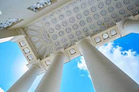 Beautiful details of Vilnius cathedral over the blue sky with clouds. Old town of the capital of Lithuania 版權商用圖片 - 82020699