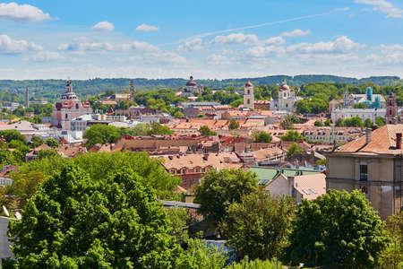 リトアニア、ビリニュス旧市街の美しいパノラマ