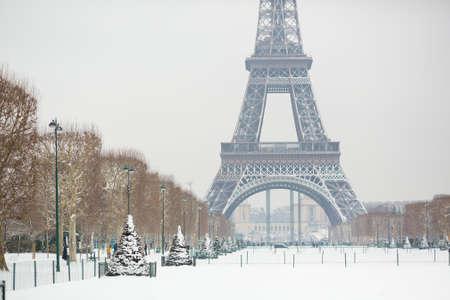 Śnieżny dzień w Paryżu, Francja Zdjęcie Seryjne