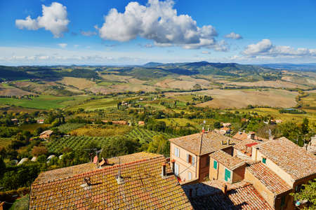 Scenic Tuscan landscape with beautiful fields, meadows and hills. San Quirico dOrcia, Tuscany, Italy Stok Fotoğraf