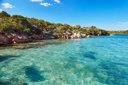 Szenische Landschaft der Smaragdküste von Sardinien, Italien Standard-Bild - 93541238