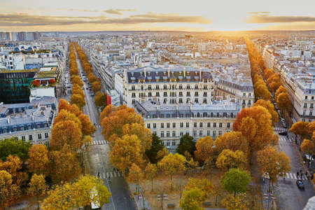 Aerial panoramic cityscape view of Paris, France on a fall day 版權商用圖片