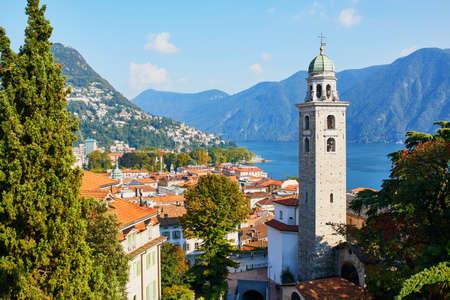 Malerischer Blick auf die Altstadt von Lugano, Kanton Tessin, Schweiz Standard-Bild