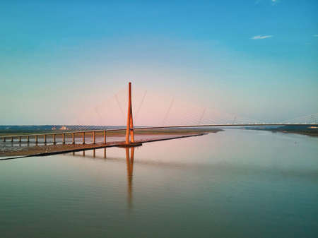 Scenic view of Pont de Normandie (Normandy bridge), a cable-stayed road bridge over the Seine, connecting Honfleur and Le Havre in Normandy, Northern France 版權商用圖片