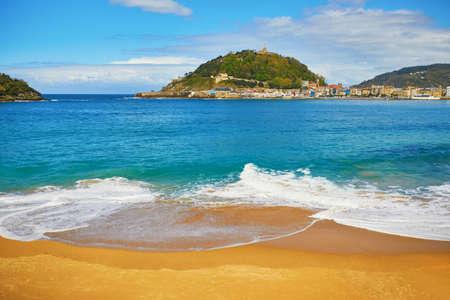 Scenic view of La Concha beach in San Sebastian (Donostia), Spain 스톡 콘텐츠 - 138474072