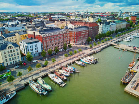 Scenic aerial view of city streets and embankment in Helsinki, Finland 스톡 콘텐츠 - 138474181