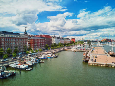 Scenic aerial view of city streets and embankment in Helsinki, Finland 스톡 콘텐츠 - 138474171